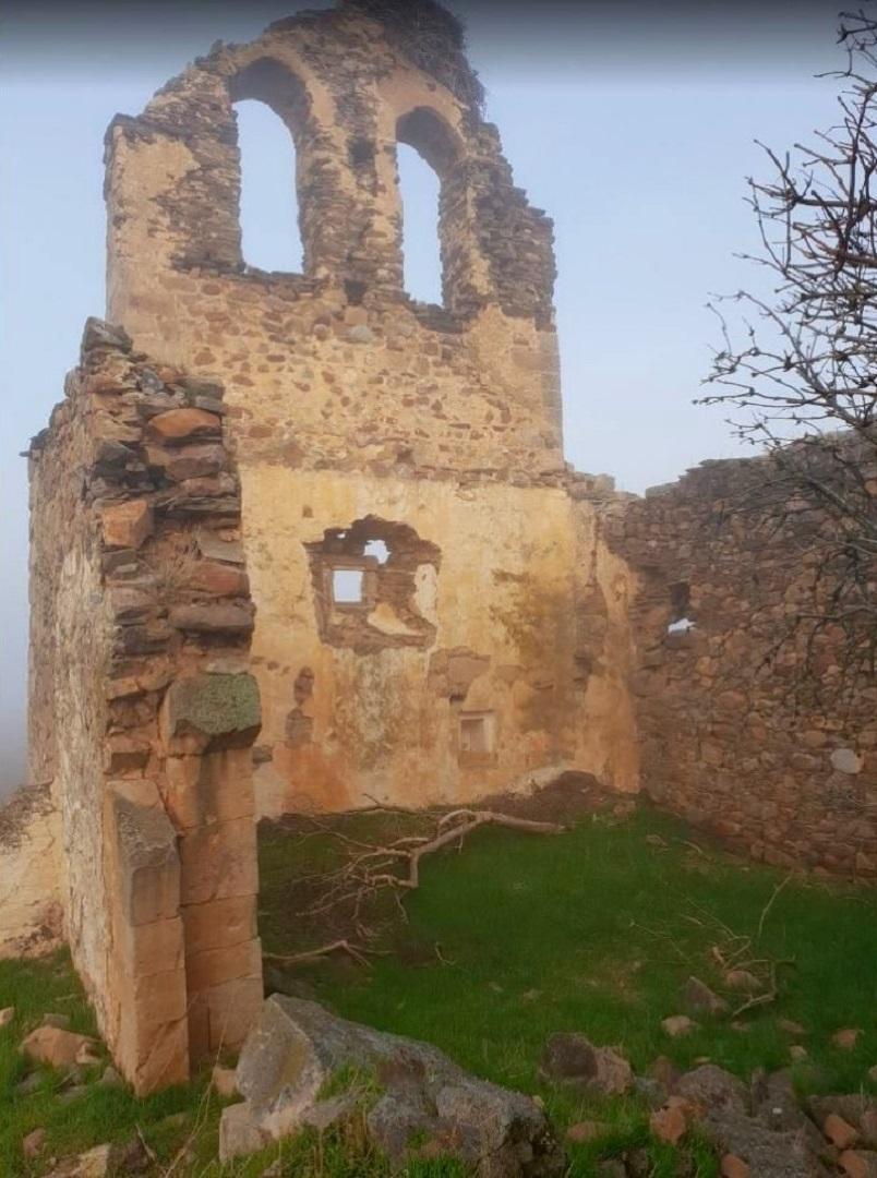 Ruinas de la Iglesia de San Pedro (Carrascalejo Viejo)